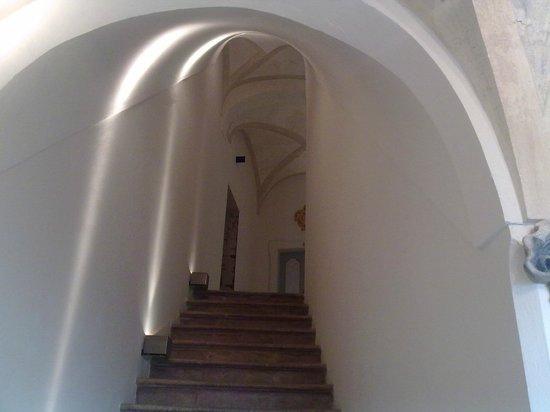 Palazzo Bontadosi Hotel & Spa: corridoio scale