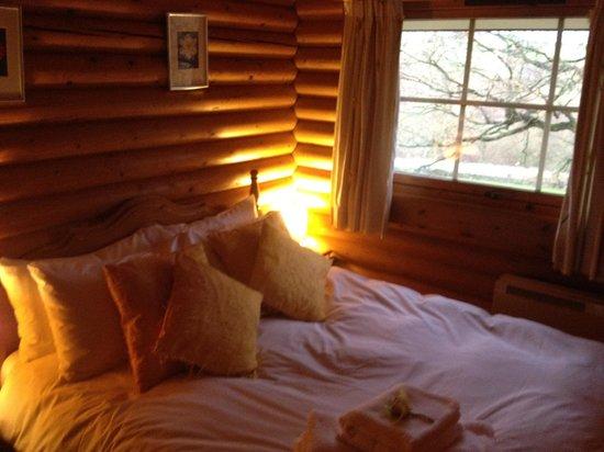 Faweather Grange: Bedroom, v small but lovely!