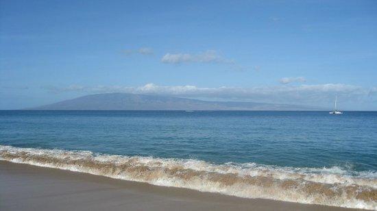 Aston Maui Kaanapali Villas: Lanai island view from Maui