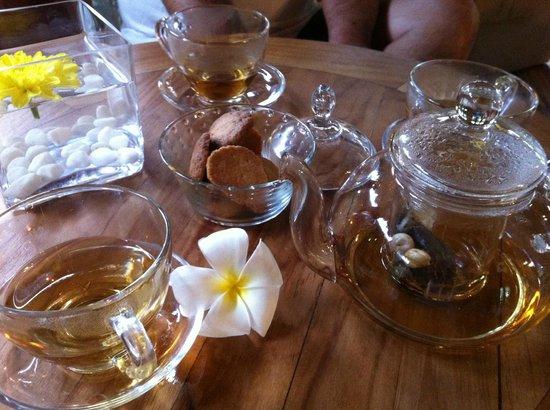 มอนติโกรีสอร์ท นงซา:                   tea after spa