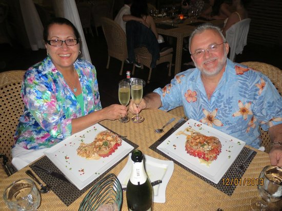 Tortuga Bay Hotel Puntacana Resort & Club:                   La Yola , excelente jantar e atendimento nota 10!!!!!!!!!!