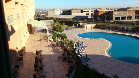 Ryad Mogador Kasbah: vue piscine