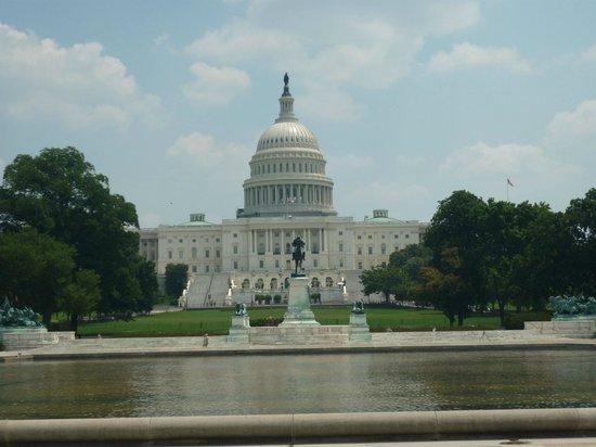 Ulysses S. Grant Memorial: US Capitol and US Grant Memorial