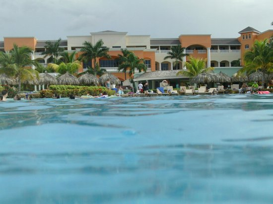Iberostar Rose Hall Suites: View from pool