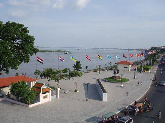 AMANJAYA Pancam Suites Hotel: River view