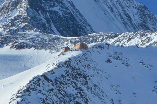 Erlebnishotel Etoile: Refuge de Mischabel (3.335m), vu de l'hôtel