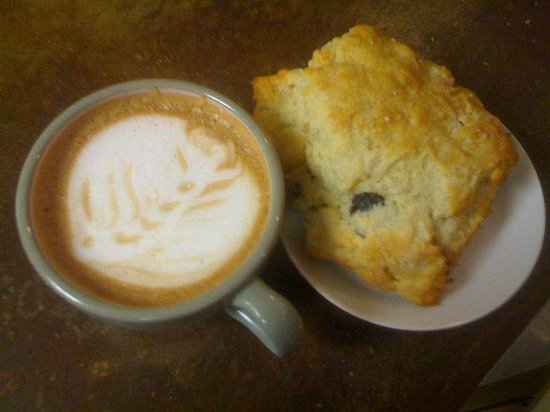 Starlings Coffee And Provisions: Organic espresso drinks & scones.