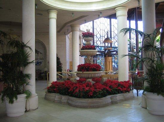 Cordial Mogan Playa:                                     Hotel Foyer