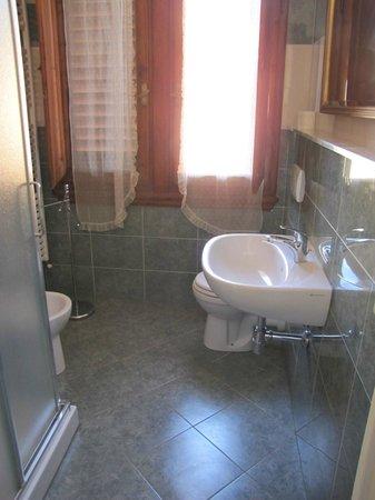 Affittacamere Boccaccio: Modern bathroom