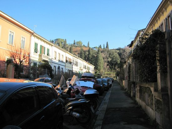 Affittacamere Boccaccio: Guesthouse street