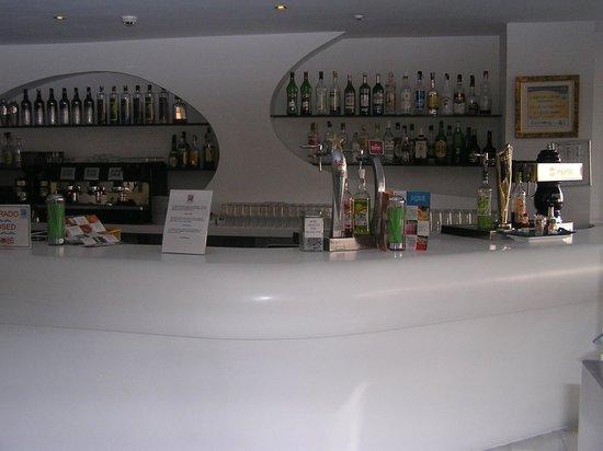 Villa Del Mar Hotel:                   De besproken bar
