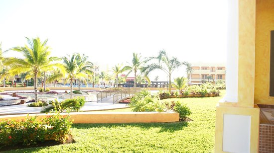 The Royal Haciendas, All Inclusive, All Suites Resort: Immaculate grounds