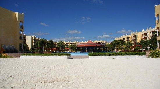 The Royal Haciendas All Suites Resort & Spa: Looking at the hotel from the beach
