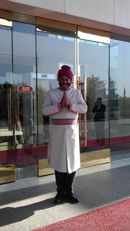 Crowne Plaza Today New Delhi Okhla:                   The welcome