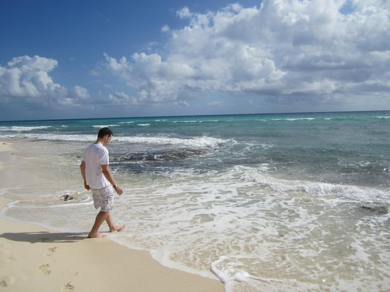 Viceroy Riviera Maya:                   beautiful beach in front of resort