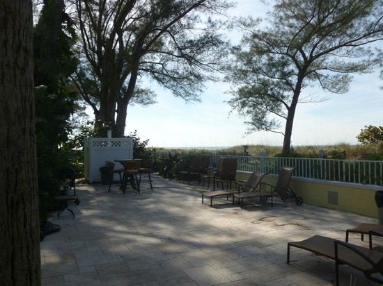 Anna Maria Island Beach Resort:                   sitting area near beach