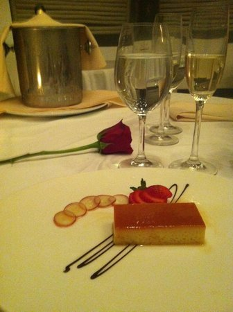 زويتري أجوا بونتا كانا أول إنكلوسيف:                   desert at Olena restaurant                 