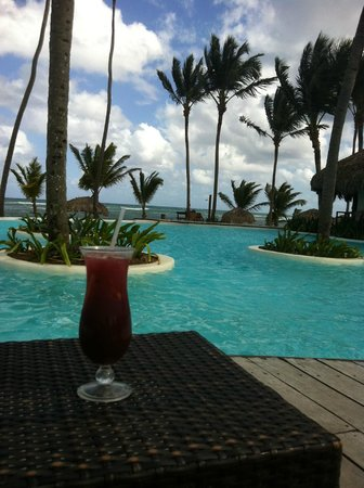 Zoetry Agua Punta Cana:                   Cocktail at main pool