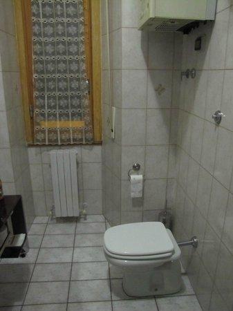 Sweet Florence: Bathroom