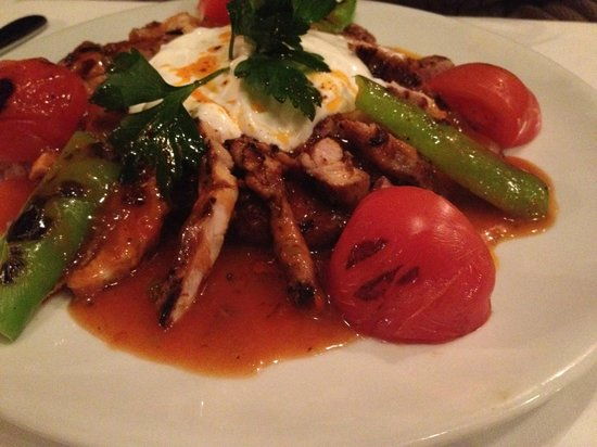 Baba Angora: Grilled chicken served on turkish bread and yoghurt