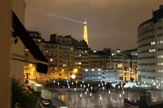 Eiffel Kennedy Hotel: Vue sur la Tour Eiffel