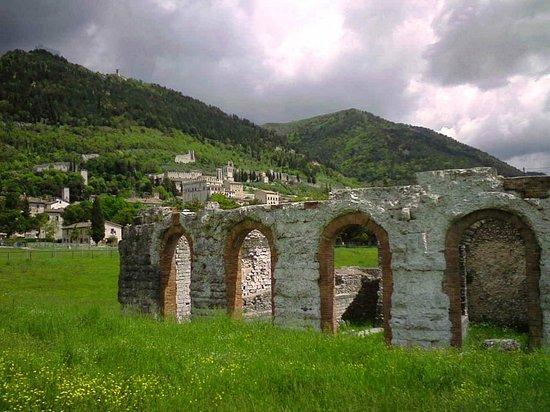 Teatro Romano : il teatro sito nella campagna