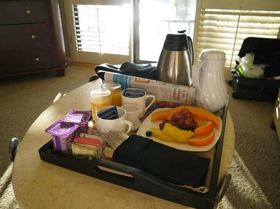 Monterey Bay Inn:                   Breakfast served to your room (included)!