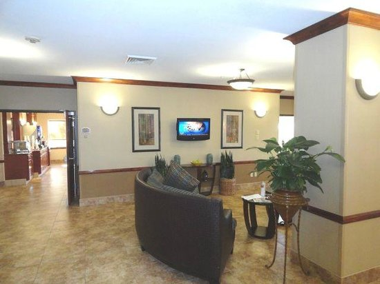 Holiday Inn Express & Suites Barstow-Outlet Center:                   Lobby1