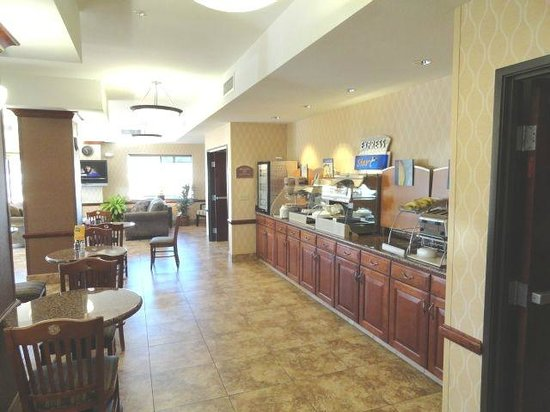 Holiday Inn Express & Suites Barstow-Outlet Center :                   Breakfast1