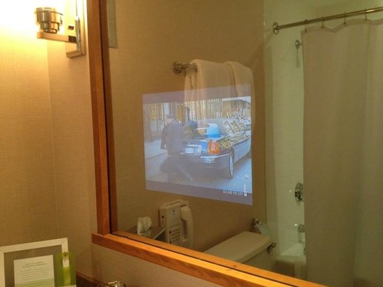 Charles Hotel: TV in mirror