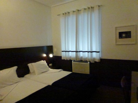 Grande Hotel Do Porto:                   Номер