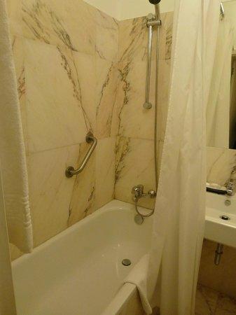 Grande Hotel Do Porto:                   Ванная
