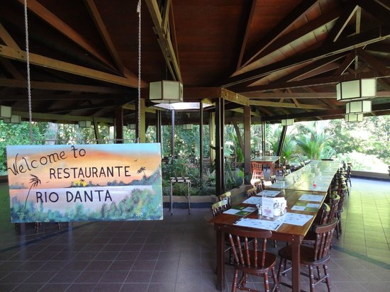 Mawamba Lodge:                   Breakfast/Lunch stop on the way to and from La Pavona