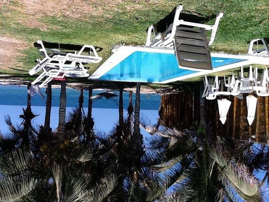 Mancora Bay Hotel: Piscina y vista