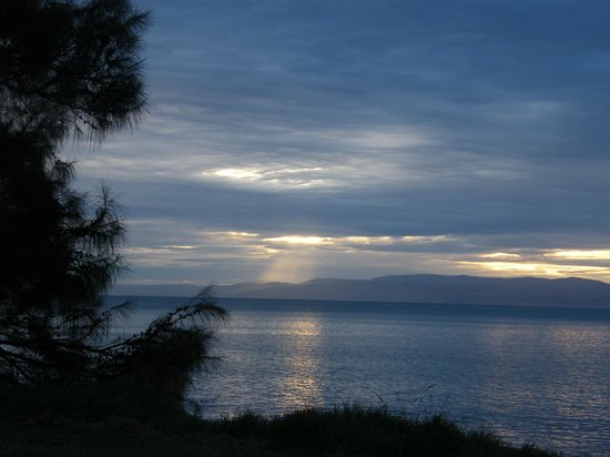 Freycinet Adventures:                   Cloudy sunset Coles Bay