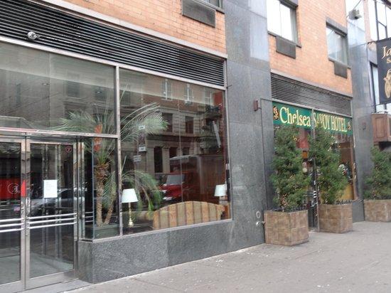 Chelsea Savoy Hotel: entrance
