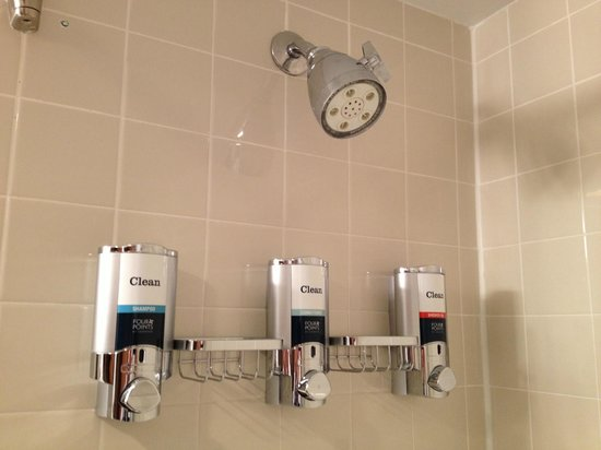 Four Points By Sheraton Detroit Metro Airport Shampoo Conditioner Body Wash Dispensers
