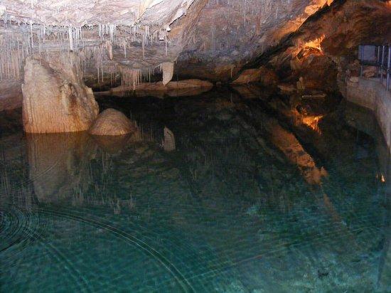 Crystal & Fantasy Caves: Crystal caves of Bermuda