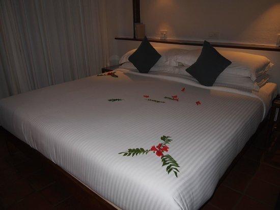 Marari Beach Resort:                   decorated beds