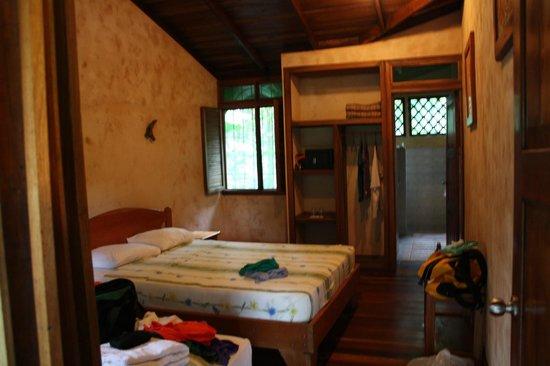 Laguna Lodge Tortuguero: our cabin room