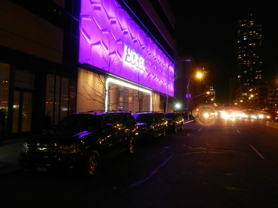 YOTEL New York at Times Square West: Yotel Entré