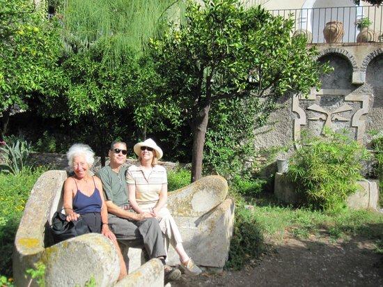 Casa Cuseni B&B:                   Garden in front of house