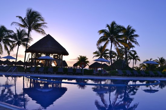 Ocean Maya Royale:                   pool at sunrise
