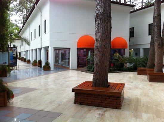 Club Salima: allée des commerces de l'hôtel