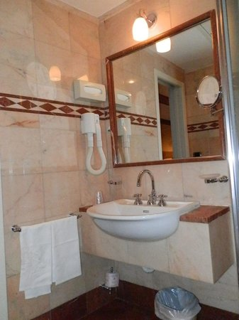 Hotel delle Nazioni: el baño