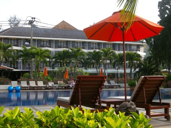 Siam Bayshore: Beachside pool area