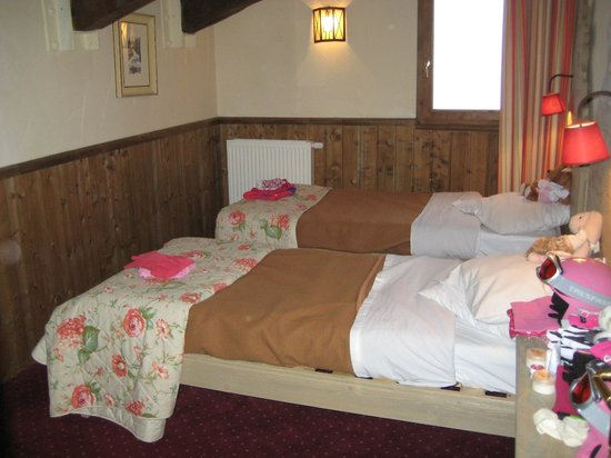 Chalet Altitude :                   Twin room upstairs