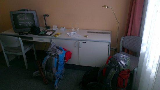 Hotel NOVA: desk
