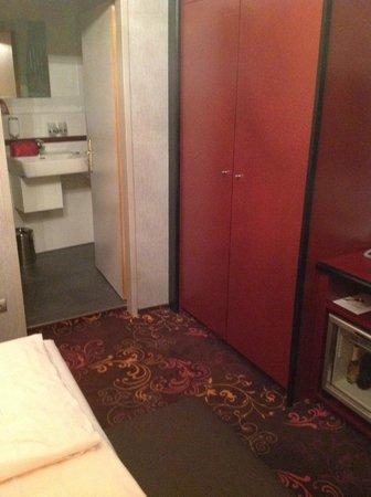 Hotel Fuerst Metternich:                   Storage closet
