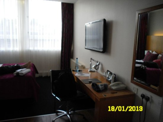 Apex Grassmarket Hotel:                   the room